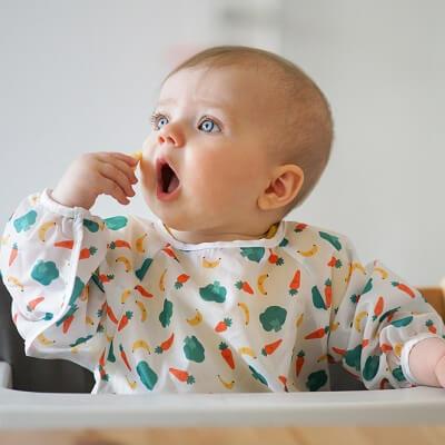 Comment apprendre à bébé à manger seul ?