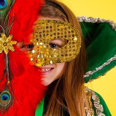 Fabriquer un masque de carnaval